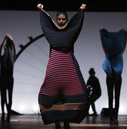 Paris Fashion Week FW14 – Issey Miyake