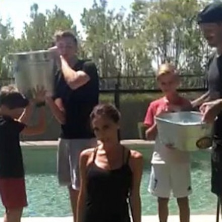 Victoria Beckham with 4 boys –  ALS Ice Bucket Challenge