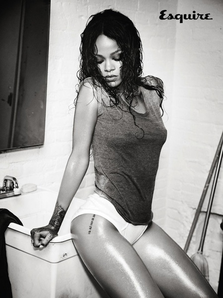 Rihanna_EsquireUK_2
