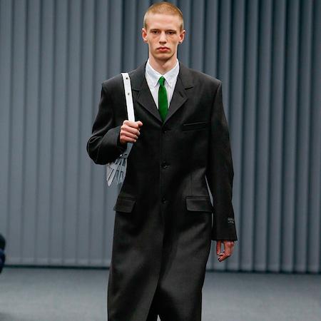 Paris Fashion Week: Men FW17 – Balenciaga