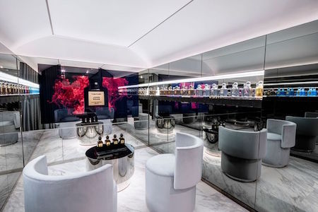 4d83010d0ddb Tom Ford opened his first store dedicated to his cosmetics and fragrance  collections in London yesterday. Two floor store has a futuristic augmented  reality ...