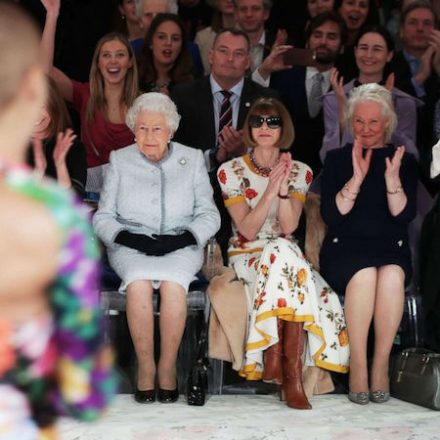 Queen Elizabeth makes front row appearance at London fashion week …
