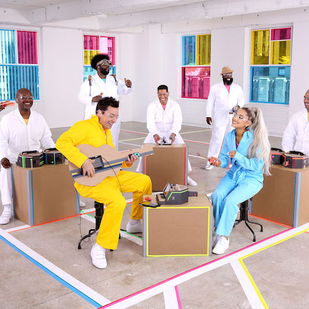 Ariana Grande & The Roots jam with Nintendo Labo