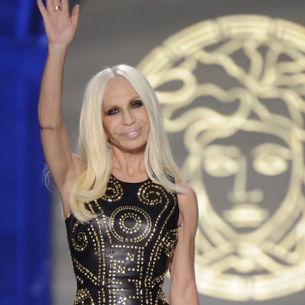 Versace to hold Its First Ever Pre-Fall Runway Show  in New York