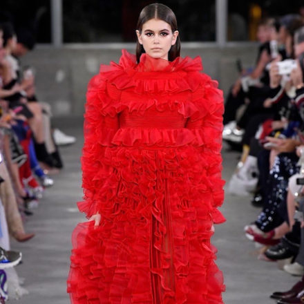 Valentino Tokyo show full of red, celebrating Japanese culture